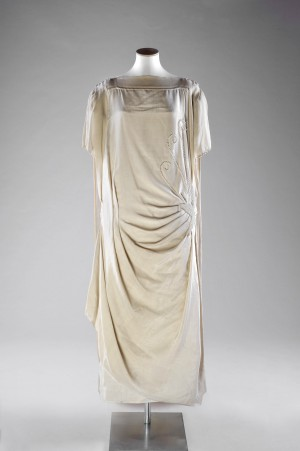 Cream silk wedding dress, 1924